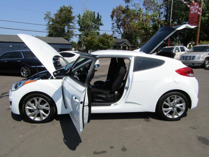 Hyundai Veloster 2016 price $9,977