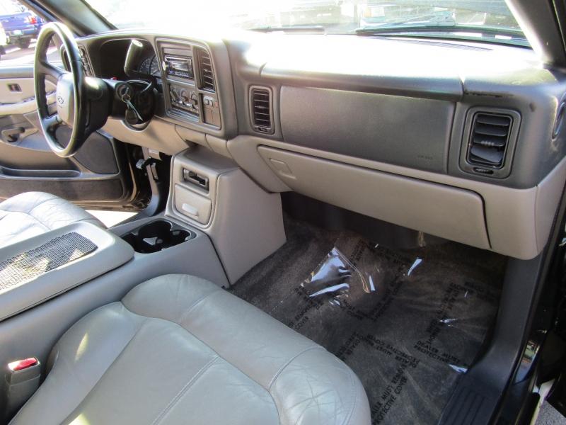 Chevrolet Tahoe 2002 price $8,977