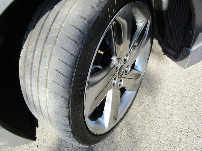 Hyundai Veloster 2013 price $12,977