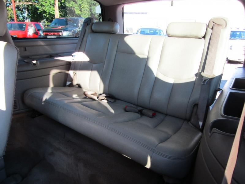 Chevrolet Suburban 2004 price $5,977