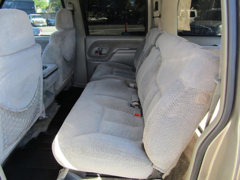 Chevrolet Suburban 1998 price $6,477