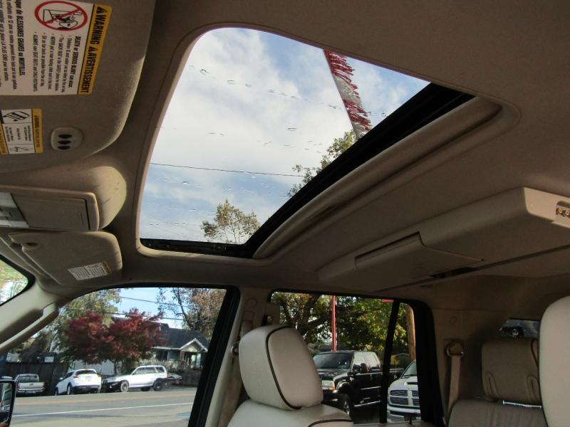 Lincoln Navigator 2008 price $14,977