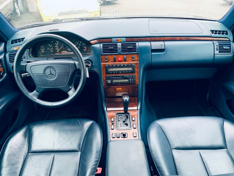 Mercedes-Benz E320 1998 price $3,900