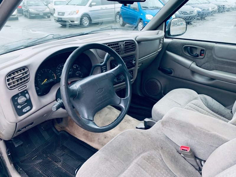 Chevrolet S-10 1998 price $3,900