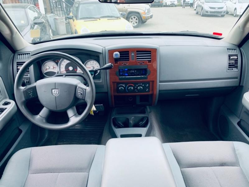 Dodge Dakota 2005 price $7,500