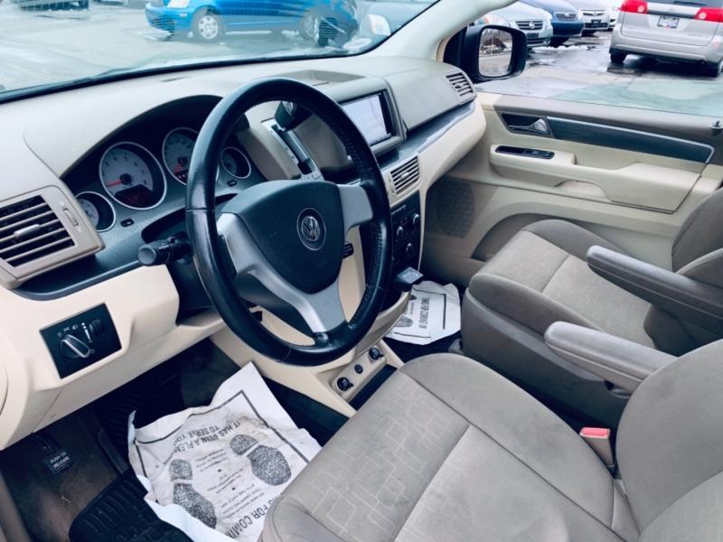 Volkswagen Routan 2010 price $6,900