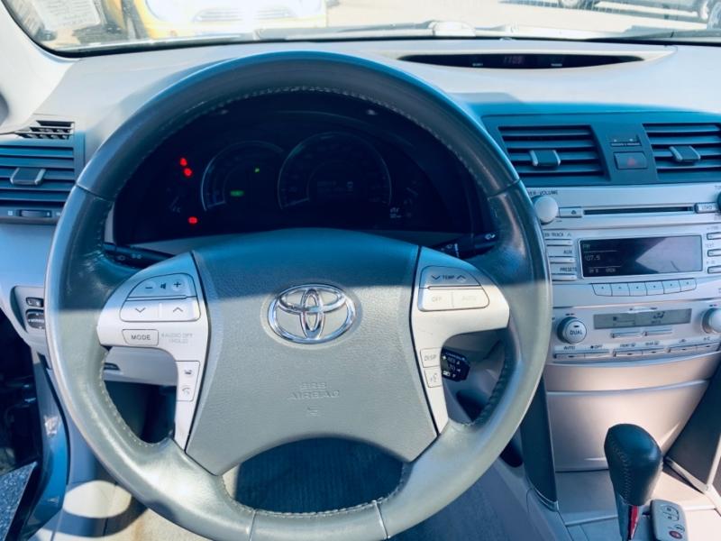 Toyota Camry Hybrid 2010 price $9,900