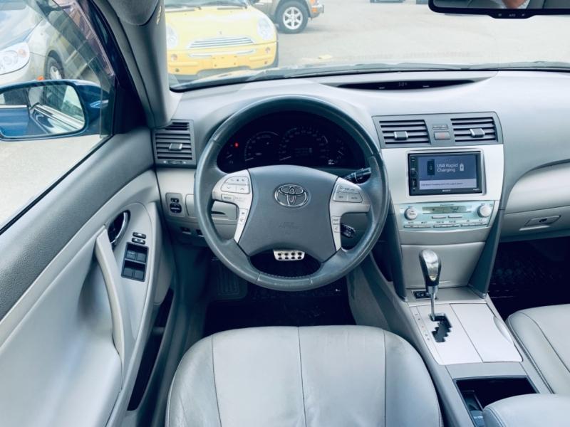 Toyota Camry Hybrid 2007 price $7,900