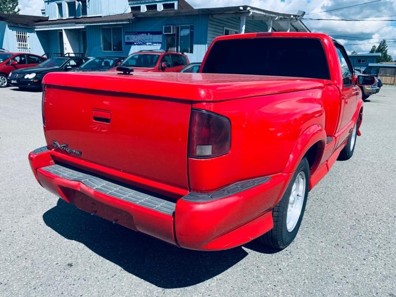 Chevrolet S-10 2000 price $5,900