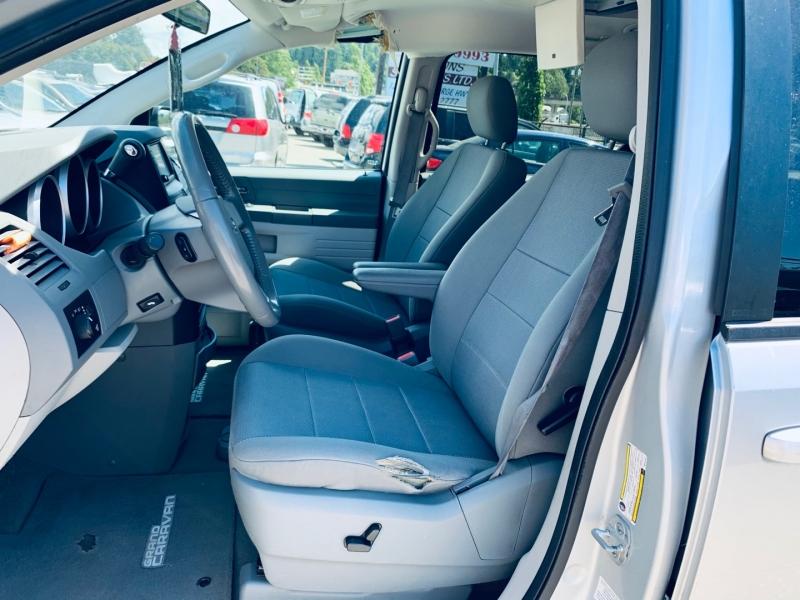 Dodge Grand Caravan 2008 price $3,900