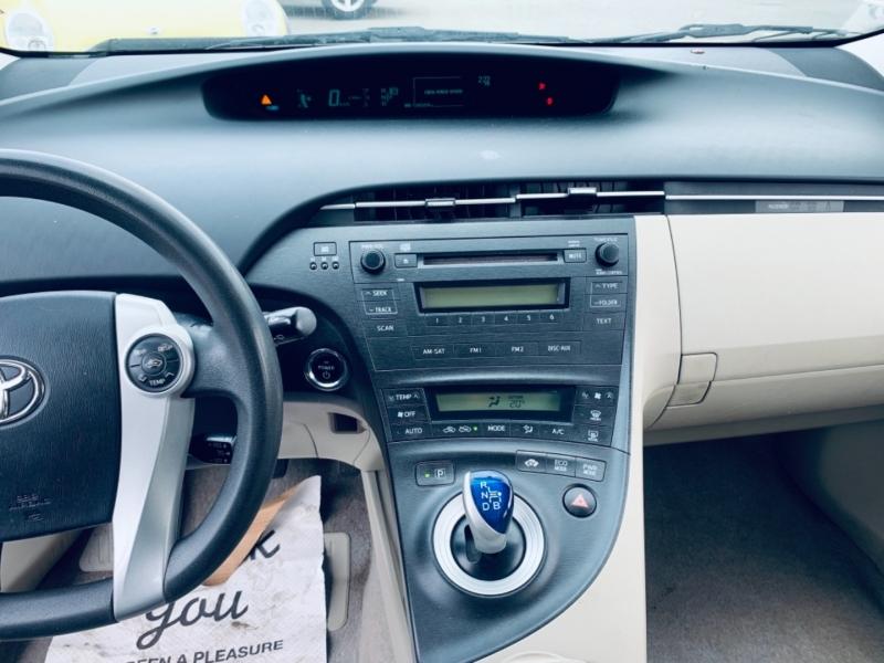 Toyota Prius 2010 price $14,900
