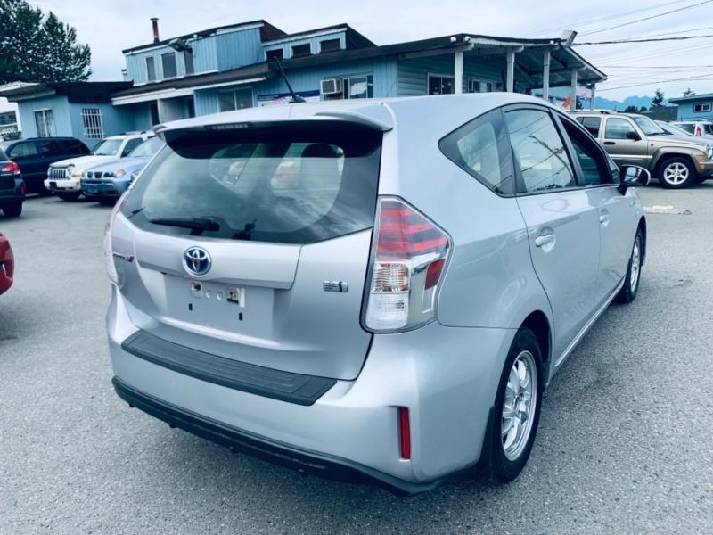 Toyota Prius v 2017 price $18,900