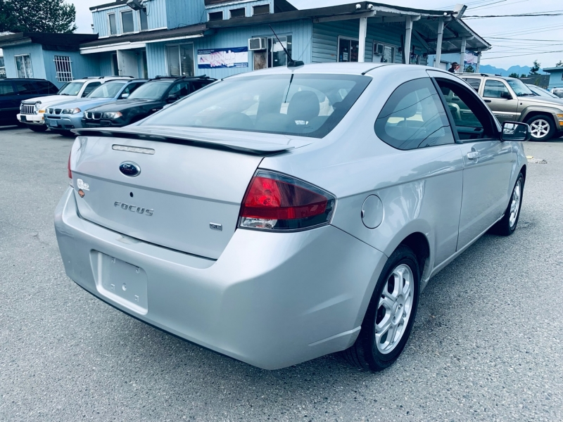 Ford Focus 2009 price $5,900