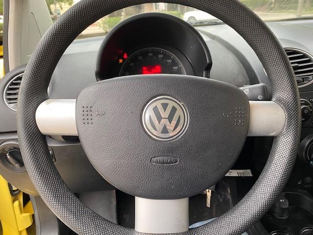 Volkswagen New Beetle Coupe 2008 price $5,199