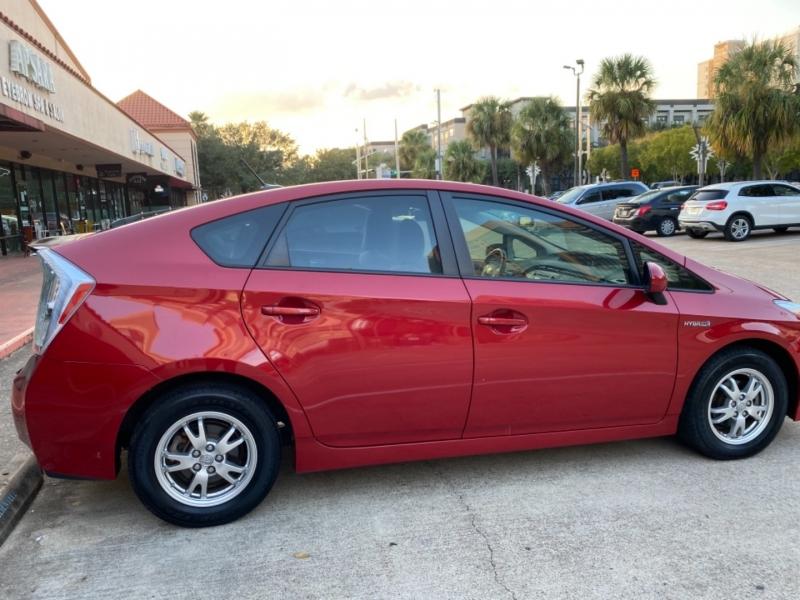 Toyota Prius 2010 price $5,999
