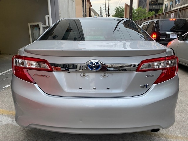 Toyota Camry Hybrid 2013 price $8,799