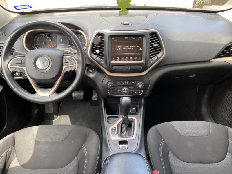 Jeep Cherokee 2015 price $12,999