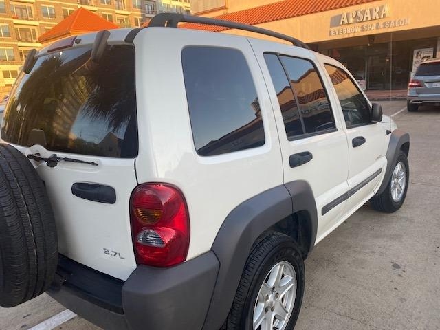 Jeep Liberty 2004 price $5,499