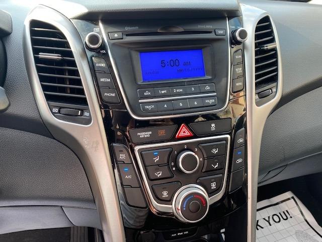 Hyundai Elantra 2017 price $11,999