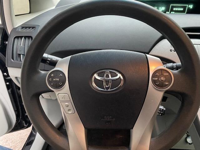 Toyota Prius 2013 price $9,999