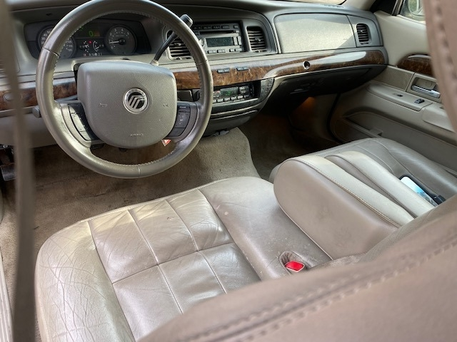 Mercury Grand Marquis 2011 price $9,499