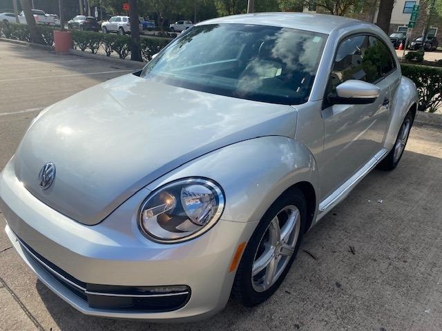 Volkswagen Beetle Coupe 2015 price $9,999