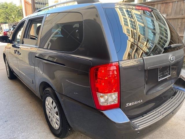 Kia Sedona 2014 price $8,999
