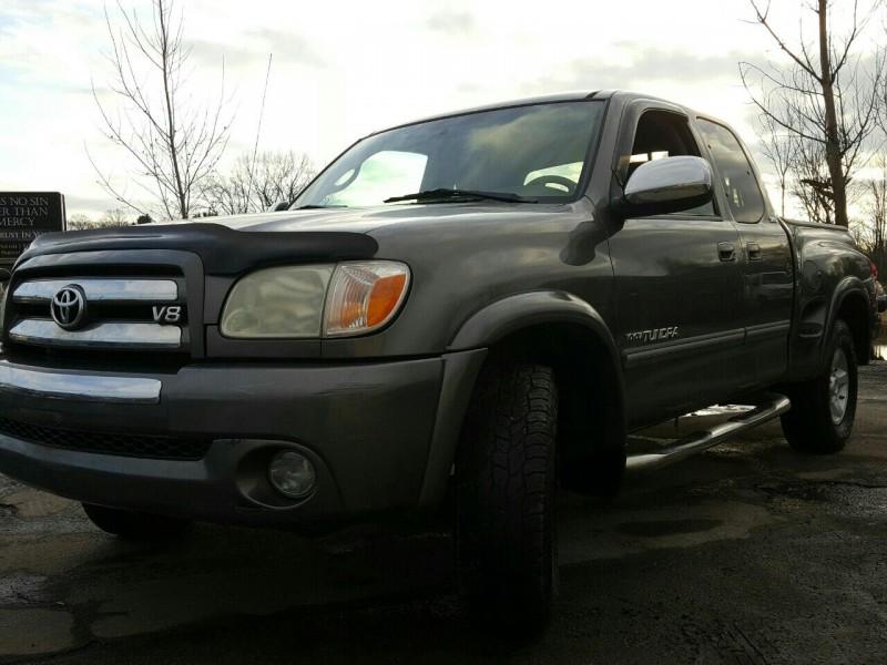 Toyota Tundra 2005 price $10,995