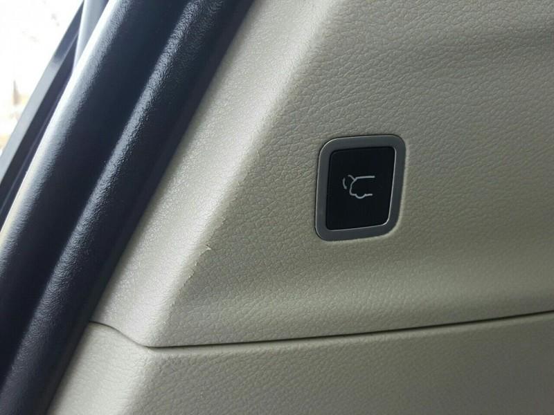 Chrysler Pacifica 2017 price $24,995