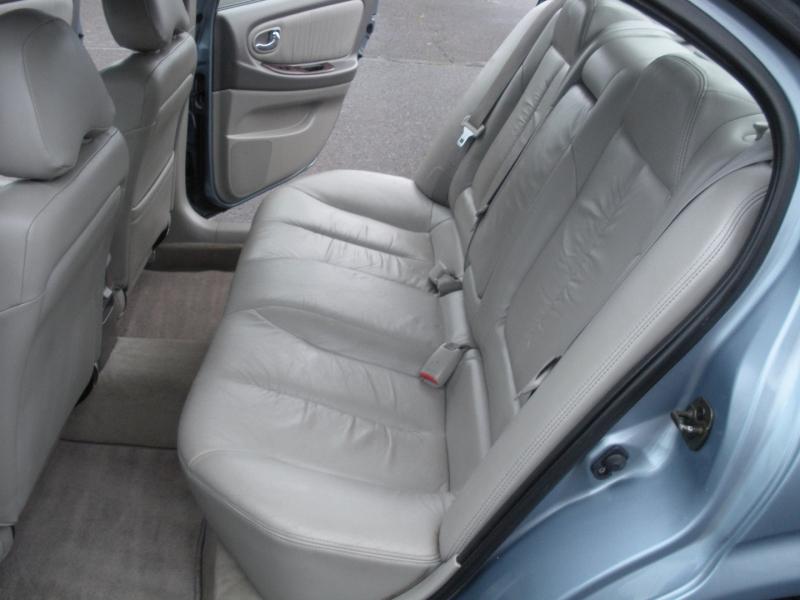 Nissan Maxima 2000 price $4,599