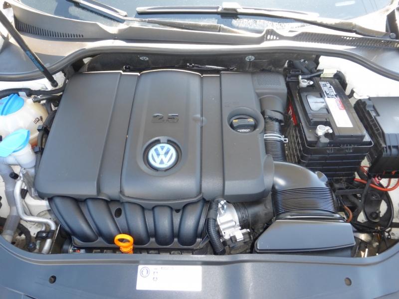 Volkswagen Jetta Sedan 2010 price $6,999