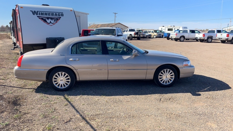 LINCOLN TOWN CAR 2003 price Call for Pricing.