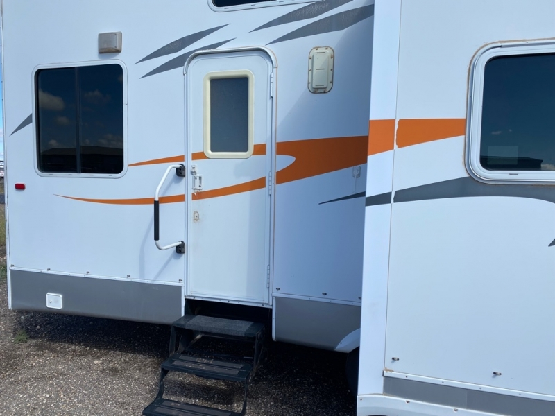 CROSSROADS RV TF38TS08 2008 price Call for Pricing.