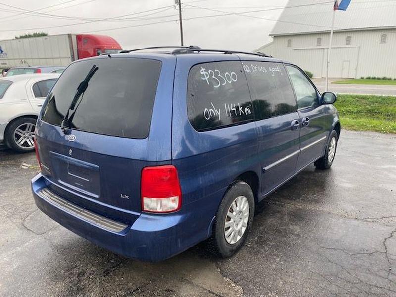 KIA SEDONA 2002 price $3,300