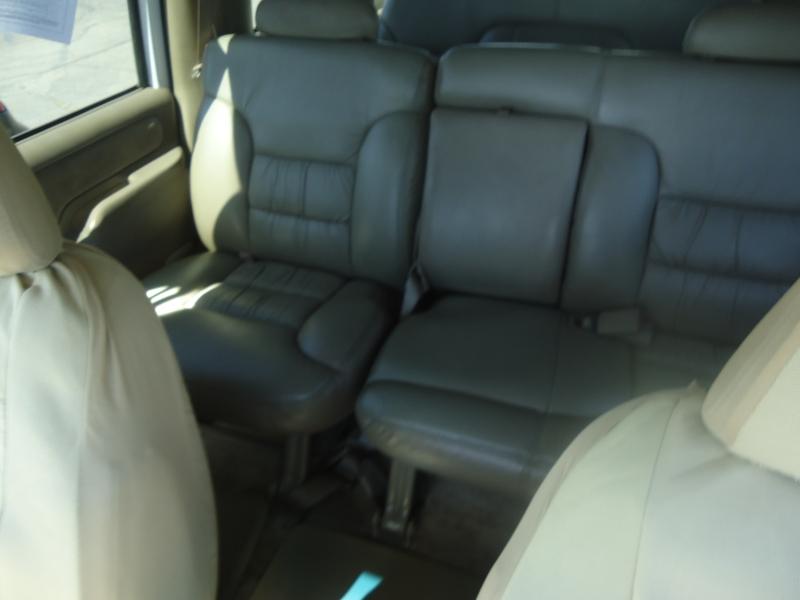 Chevrolet Suburban 1997 price $4,995