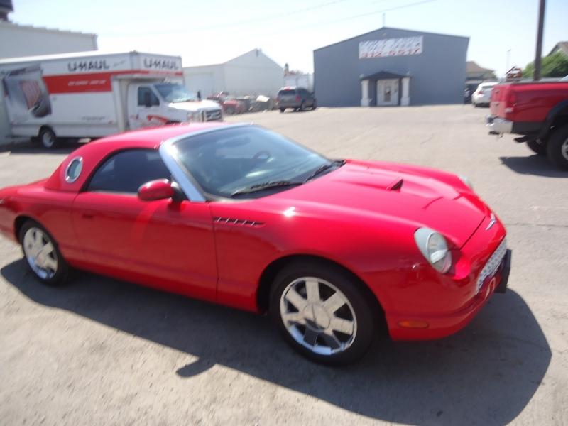 Ford Thunderbird 2002 price $12,995