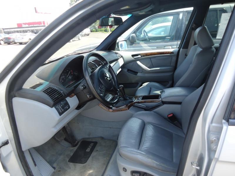 BMW X5 2003 price $2,500