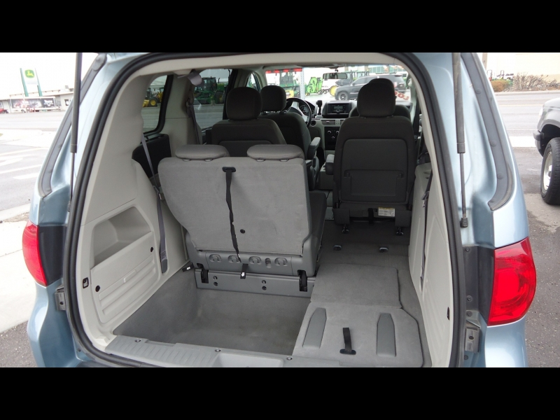 Volkswagen Routan 2009 price $5,495