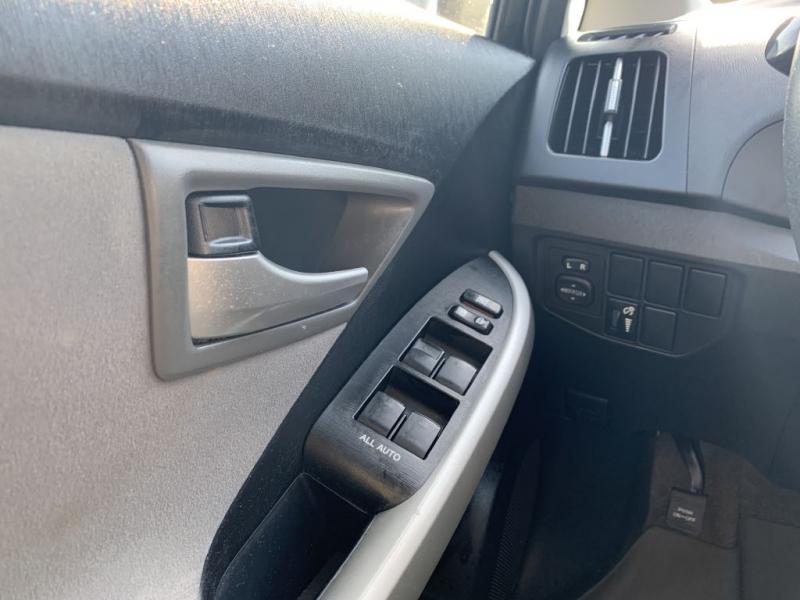 Toyota Prius 2012 price $4,500