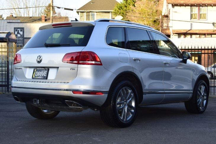 Volkswagen Touareg 2016 price $42,000