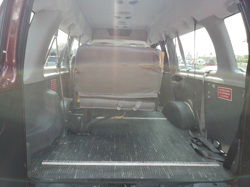 Ford Econoline Wagon 2006 price $7,995