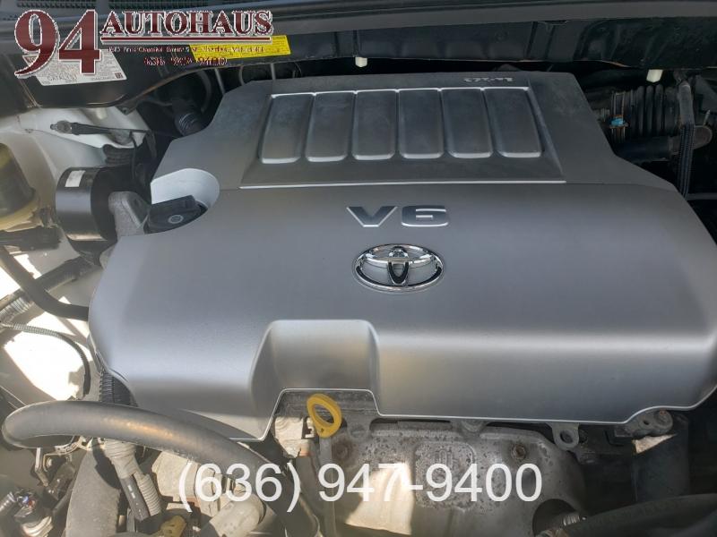 Toyota Sienna 2009 price $7,995