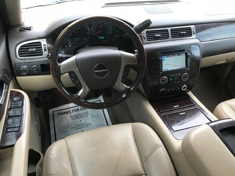 GMC YUKON XL 2009 price $10,900