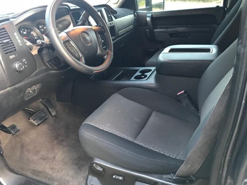 CHEVROLET SILVERADO 2500 2011 price $11,900
