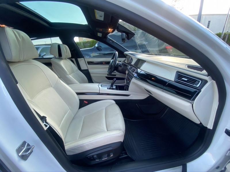 BMW 7-Series 2013 price $21,995