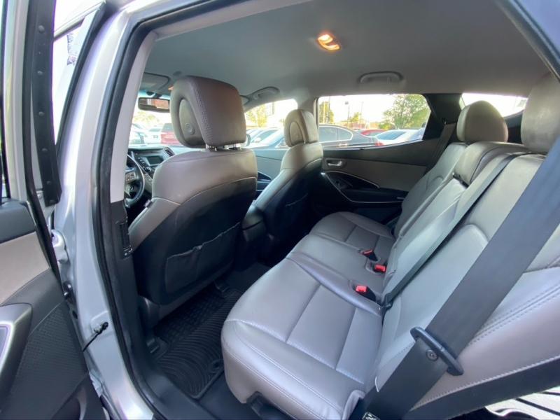 Hyundai Santa Fe 2014 price $11,995 Cash
