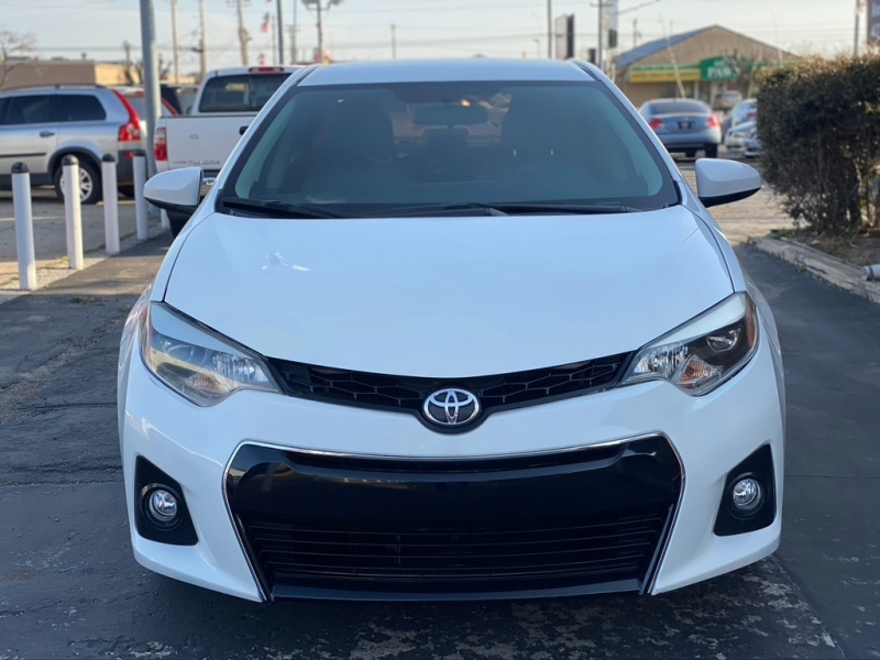 Toyota Corolla 2015 price $11,500 Cash