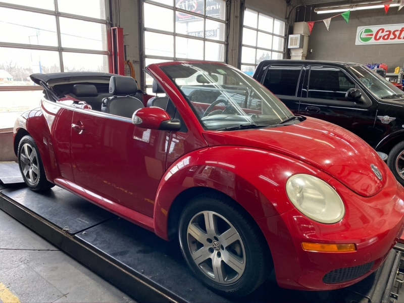 Volkswagen New Beetle Convertible 2006 price $3,800 Cash