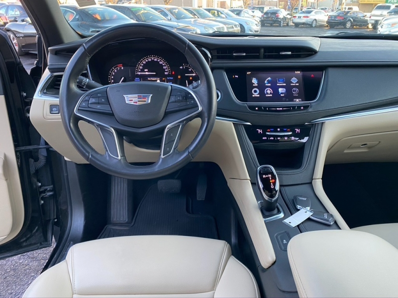Cadillac XT5 2017 price $16,995 Cash
