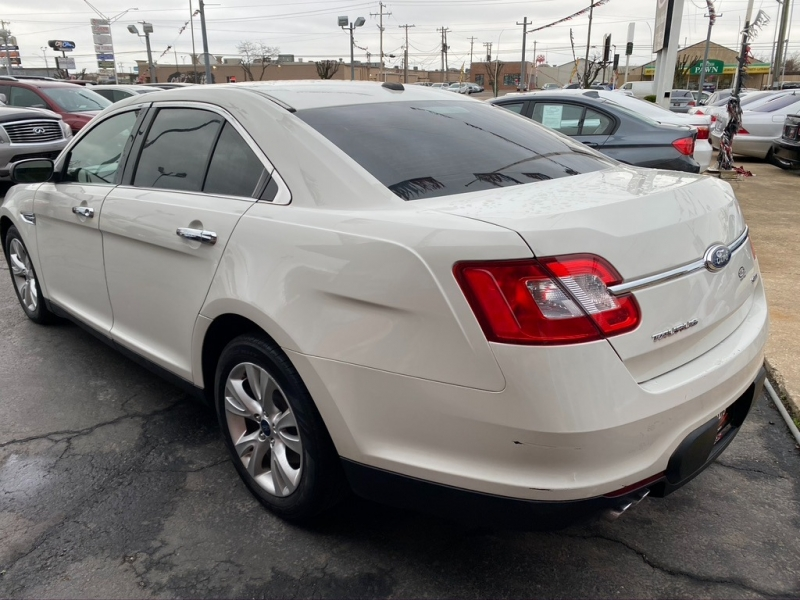 Ford Taurus 2011 price $7,500 Cash